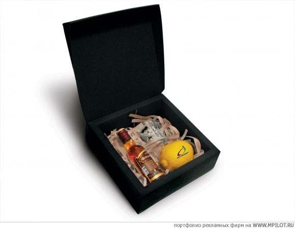 Подарок в корзине мужчине 34